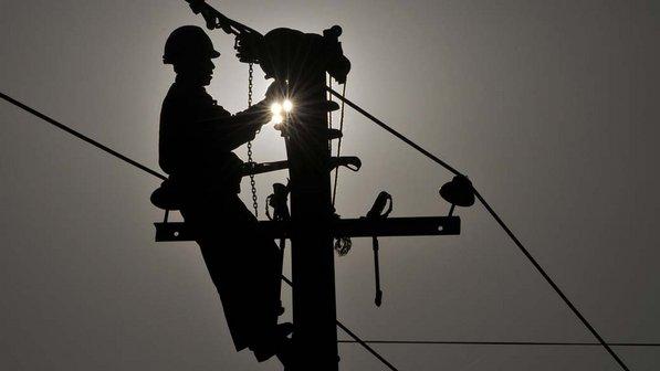 Minminas aprueba 53 mil millones para electrificación rural en 10 departamentos del país